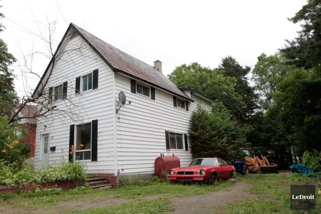 La maison située au22, Roméo-Gendron, a été détruite... (Archives, LeDroit)