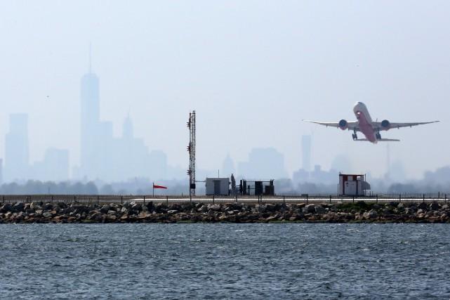 Avant de quitter le pays, mieux vaut avoir... (PHOTO ARCHIVES AFP)