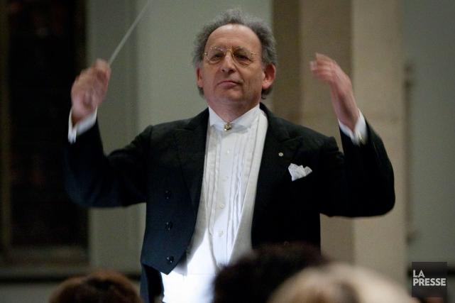 Boris Brott dirige l'Orchestre de chambre McGill dans... (PHOTO ANDRÉ PICHETTE, ARCHIVES LA PRESSE)
