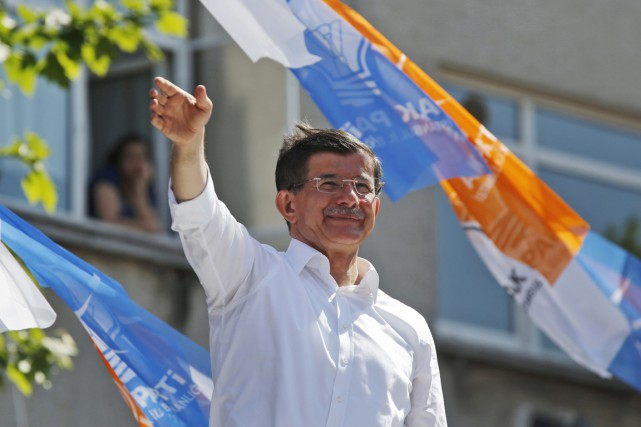 Selon une source proche du gouvernement, M. Davutoglu, chef... (PHOTO MURAD SEZER, ARCHIVES REUTERS)