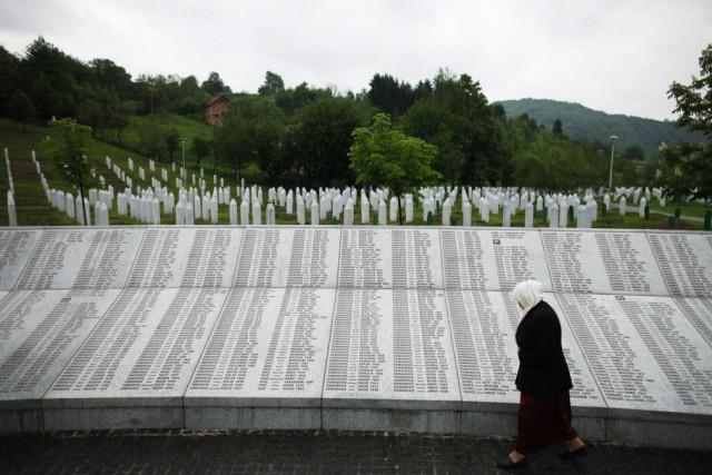 Près de 8000 hommes et garçons musulmans ont... (Photo Dado Ruvic, archives Reuters)