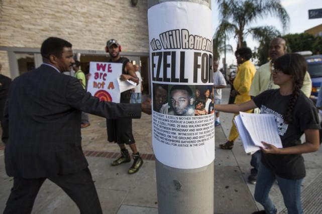 Les proches d'Ezell Ford nient que le jeune... (Photo: AP)
