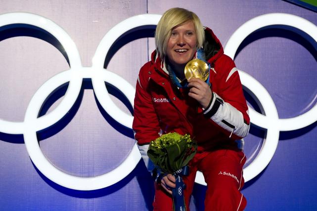 La skieuse autrichienne Andrea Fischbacher a remporté lamédaille... (Photo Fabrice Coffrini, archives AFP)