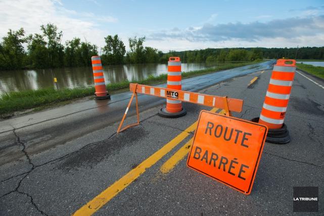 Plusieurs routes de l'Estrie ont été fermées à la suite des pluies diluviennes... (Imacom, Jessica Garneau)