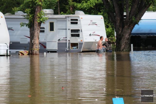 «Ce n'est pas la pire inondation en terme de crue des eaux, mais c'est la pire... (La Tribune, René-Charles Quirion)