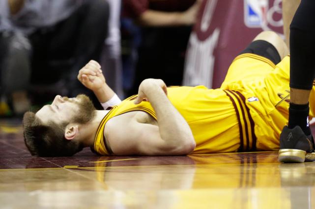 Le garde des Cavaliers de Cleveland Matthew Dellavedova... (Photo Tony Dejak, AP)
