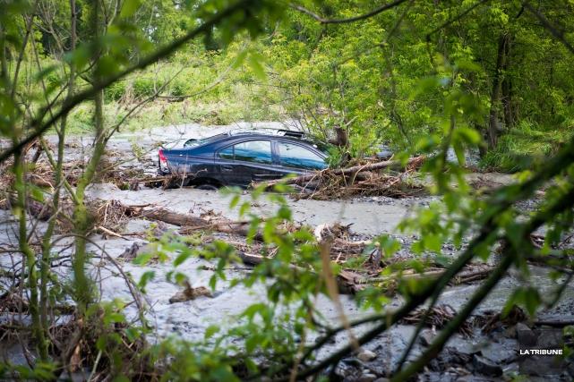 La voiture de Michael Filliona été emportée par... (Imacom, Jessica Garneau)