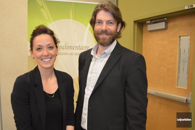 La directrice générale et le président de la... ((Photo le Quotidien, Laura Lévesque))
