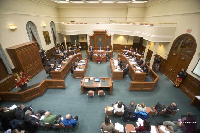 Aux prochaines élections municipales, la Ville de Sherbrooke comptera quatre... (Archives La Tribune, Julien Chamberland)