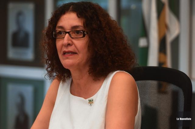 Nadia Ghazzali ne quitte pas vraiment l'UQTR puisqu'elle... (Photo: François Gervais, Le Nouvelliste)