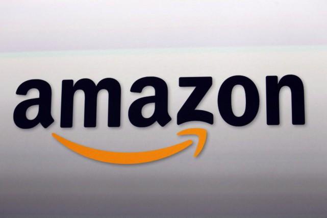 La section des vêtements d'Amazon présentera des produits... (Photo Reed Saxon, AP)
