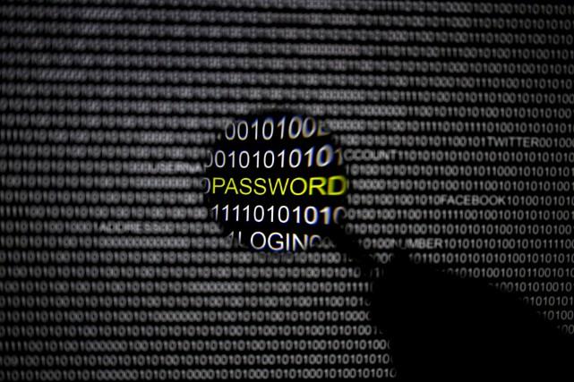 Parmi les données personnelles compromises, les pirates auraient... (PHOTO ARCHIVES REUTERS)