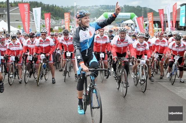Pierre Lavoie avait promis une surprise aux 1000... ((Photo Le Quotidien-Rocket Lavoie))