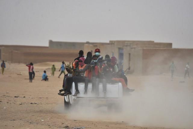 La plupart des migrants traversent le Niger pour... (PHOTO ISSOUF SANOGO, AFP)