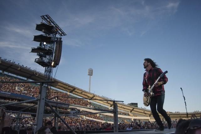 Les Foo Fighters attaquaient leur deuxième chanson dans... (PHOTO AP)