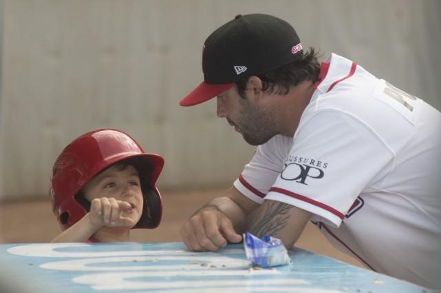 Maxime Poulin avait 5 ans lorsque le baseball... (PHOTO: STÉPHANE LESSARD)
