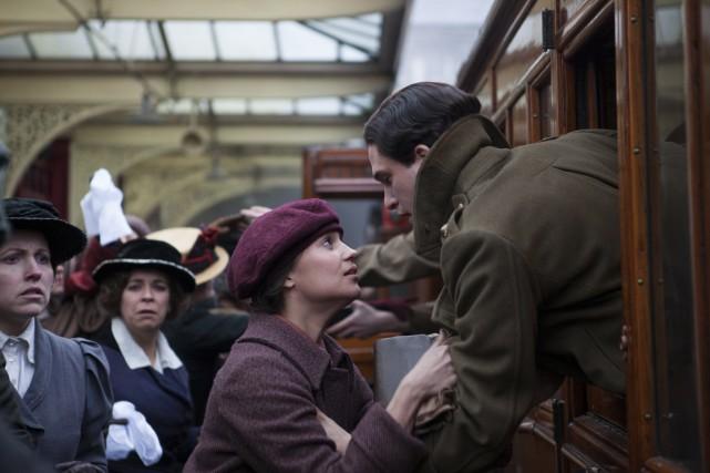 La jeune Vera Brittain (Alicia Vikander) tombe amoureuse... (Photo fournie par Sony Pictures Classics)