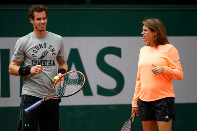 Andy Murray et Amélie Mauresmo à l'entraînement pendant... (PHOTO VINCENT KESSLER, ARCHIVES REUTERS)