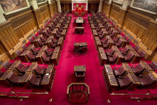 Trouver des bureaux temporaires pour le Sénat pendant les rénovations au... (Photo Adrian Wyld, La Presse canadienne)