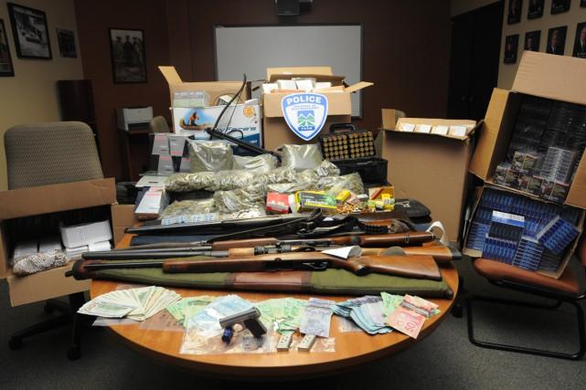 Un homme de 71 ans résidant à Pointe-Calumet a été accusé vendredi de trafic et... (Photo fournie par la police de Deux-Montagnes)