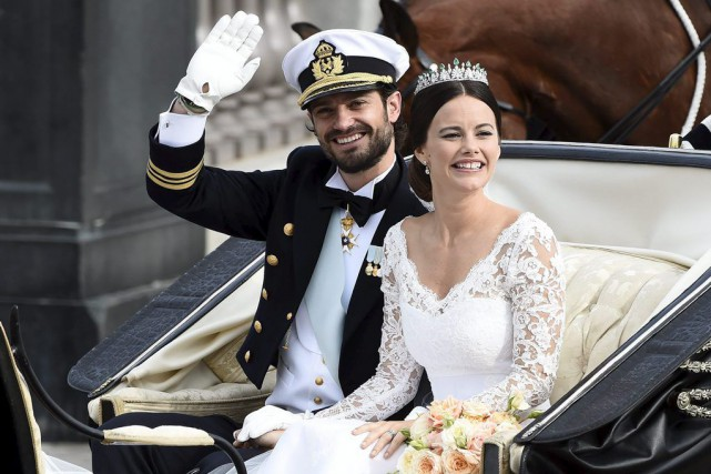 Le prince Carl Philip de Suède et son épouse... (Photo Mikael Fritzon, Reuters)