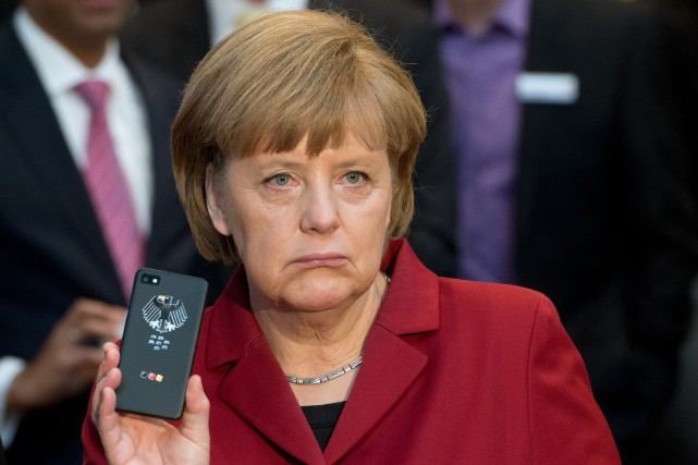 La chancelière Angela Merkel... (PHOTO JULIAN STRATENSCHULTE, AFP)