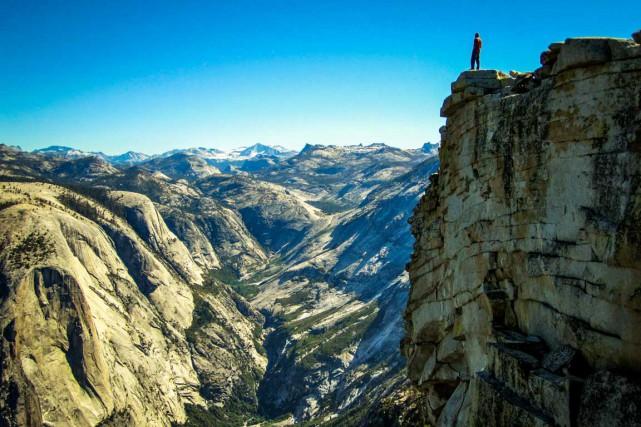 Dave Collins sur une falaise, à Yosemite... (Photo fournie par Dave Collins, CleverHiker)