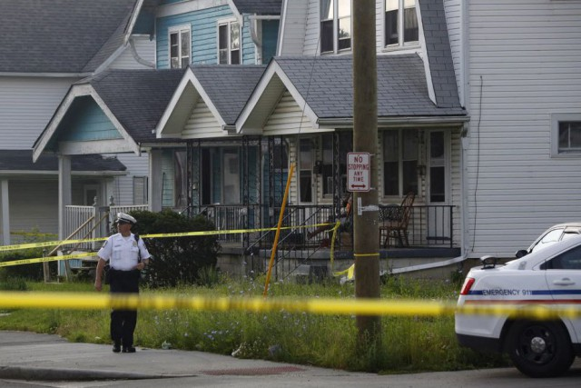 La police n'apas encore identifié un suspect ou... (Photo Tom Dodge/The Columbus Dispatch, AP)