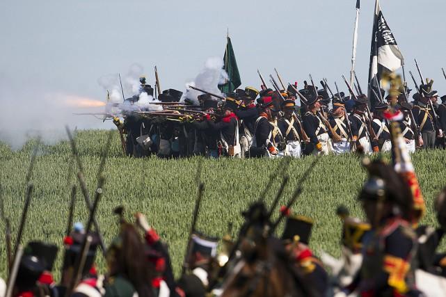 Jeudi, plus de 5000 figurants en costumes d'époque,... (Photo Yves Herman, Reuters)