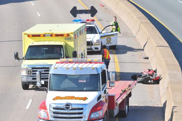 L'incidant impliquant un motocycliste est survenu sur l'autoroute... (Photo: Émilie O'Connor)