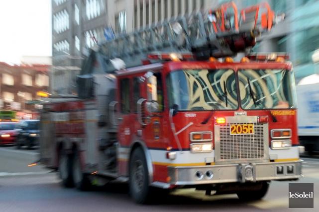 Les pompiers ont pu intervenir rapidement en raison... (Photothèque Le Soleil, Erick Labbé)