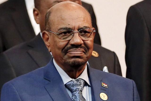 Le président soudanais était venu à Johannesburg pour... (PHOTO SIPHIWE SIBEKO, REUTERS)