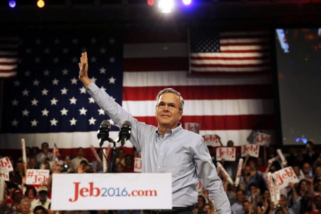 Jeb Bush souhaite devenir le troisième président issu... (PHOTO DAVID GOLDMAN, AP)