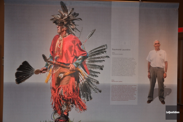 Jacques Launière, danseur traditionnel de Mashteuiatsh.... ((Photo Le Quotidien, Roger Blackburn))