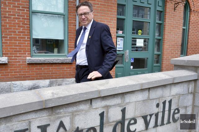 Le maire de Lévis, Gilles Lehouillier... (Le Soleil, Jean-Marie Villeneuve)