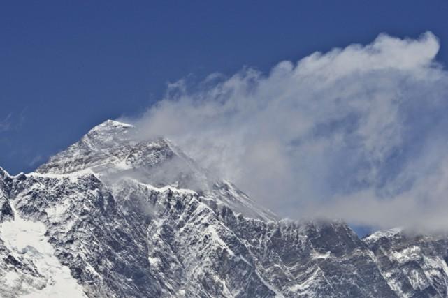 Le puissant séisme de magnitude 7,8 survenu au Népal le 25 avril a déplacé le... (PHOTO AFP)