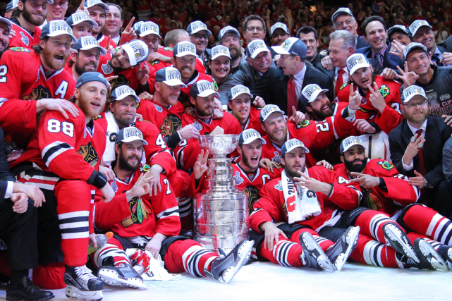 Les Blackhawks de Chicago, champions de la Coupe... (Photo Dennis Wierzbicki, USA Today)