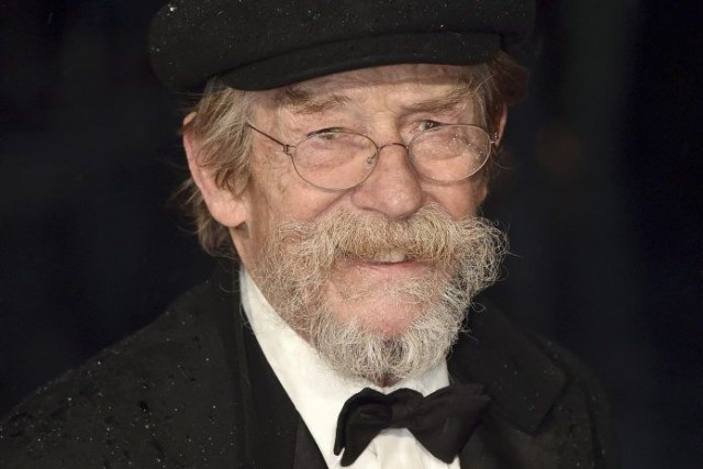 John Hurt... (PHOTO LEON NEAL, ARCHIVES AGENCE FRANCE-PRESSE)