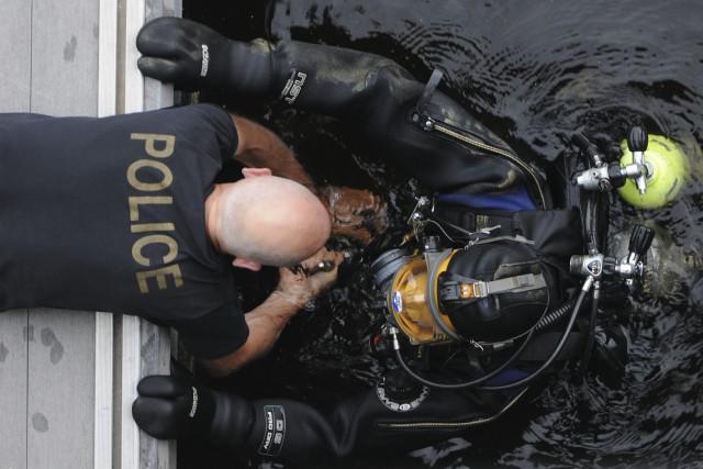 Le corps de Pierre Dufour aurait été retrouvé à proximité du quai de... (Michel Tremblay)