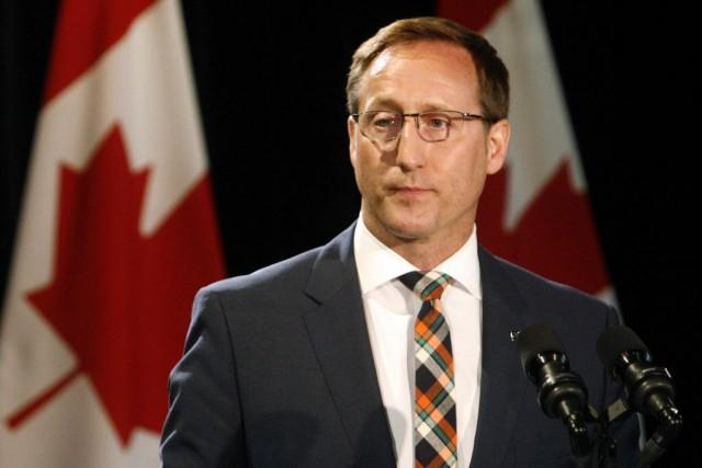 Le fédéral pourrait aussi invoquer la clause dérogatoire... (Photo Darren Pittman, archives Reuters)