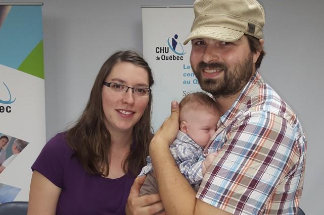 Une équipe spécialisée du Centre mère-enfant de Québec a pratiqué son... (Photo Le Soleil)