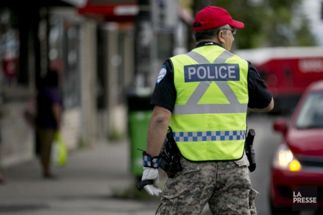 Certains policiers du Service de police de la Ville de Montréal porteront... (Photo: David Boily, archives La Presse)
