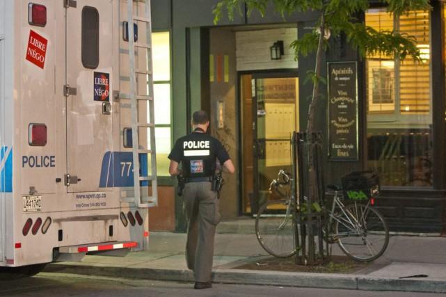 Une bagarre a eu lieu dans l'immeuble situé... (PHOTO FÉLIX O.J. FOURNIER, COLLABORATION SPECIALE)