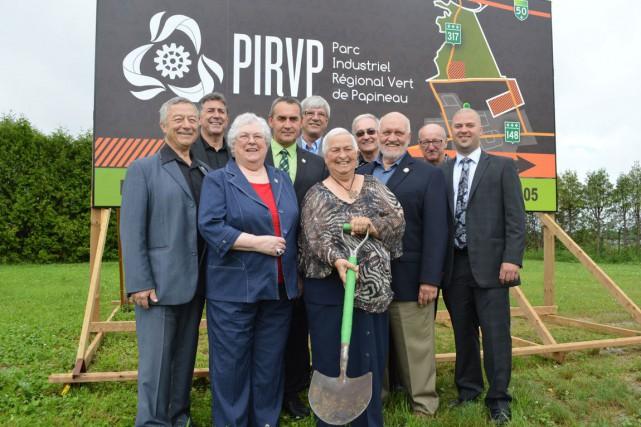 Les maires de la MRC Papineau ont procédé... (Benoit Sabourin, LeDroit)