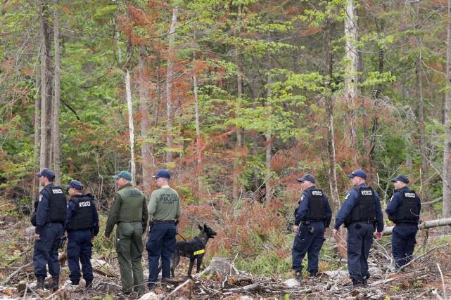 Les deux dangereux évadés d'une prison de l'État de New York auraient été... (Photo AP)