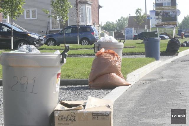 Le volume de déchets que produisent Ottawa et... (Etienne Ranger, LeDroit)