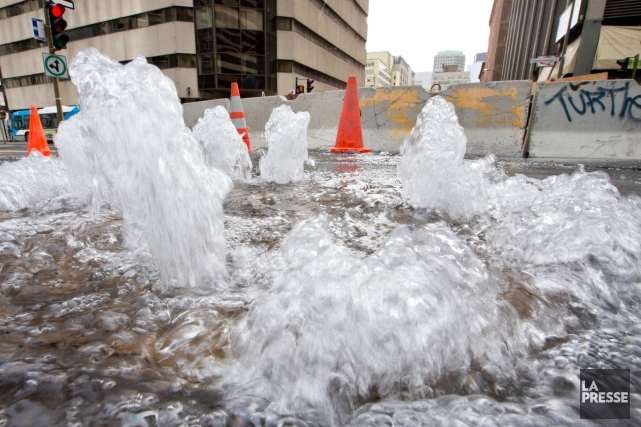 Montréal perd 500 millions de litres d'eau potable... (PHOTO IVANOH DEMERS, ARCHIVES LA PRESSE)