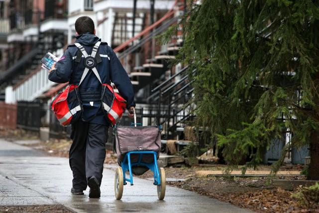 Postes Canada est présentement à la recherche d'endroits... (PHOTO ROBERT SKINNER, LA PRESSE)