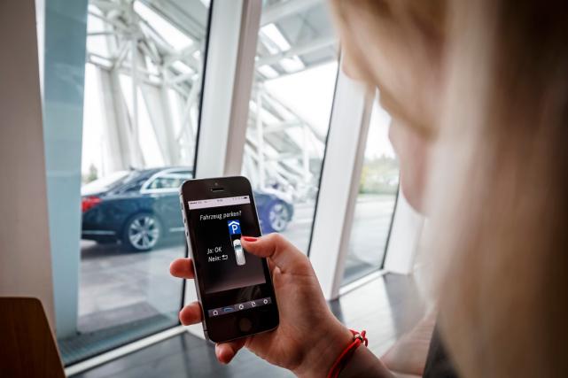 Mercedes-Benz informatisera des autos et des stationnements du service... (Photo fournie par Mercedes-Benz)