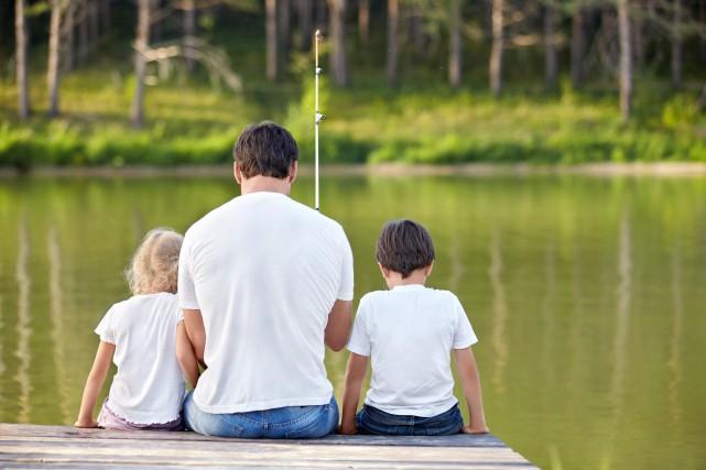 Les pères jouent un rôle crucial, autant pour... ((Archives))